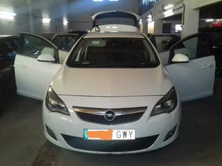 Opel Astra 2010 para piazis
