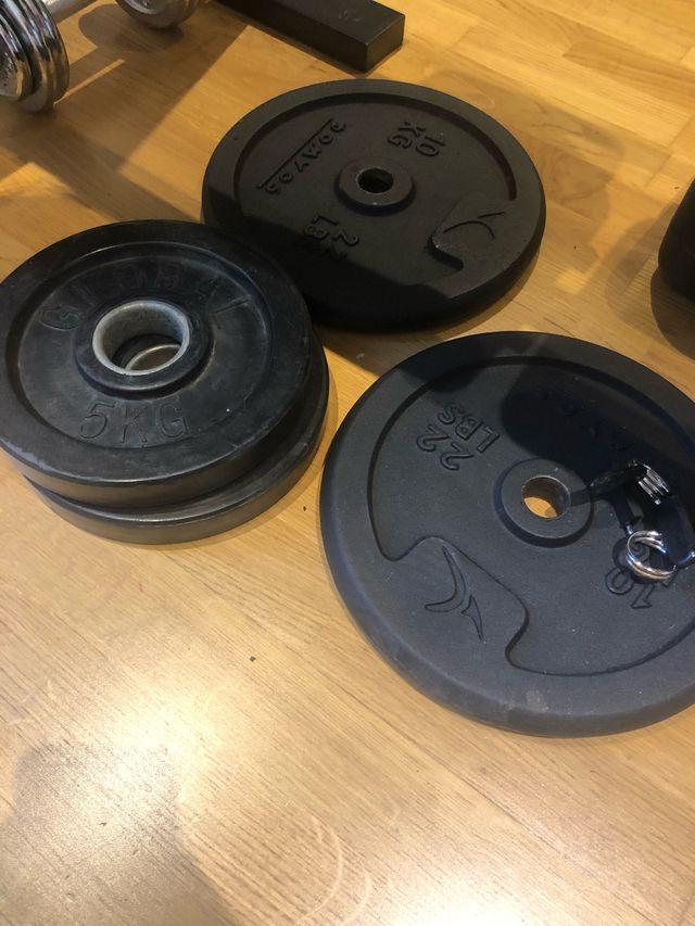 Juego de pesas más mancuernas