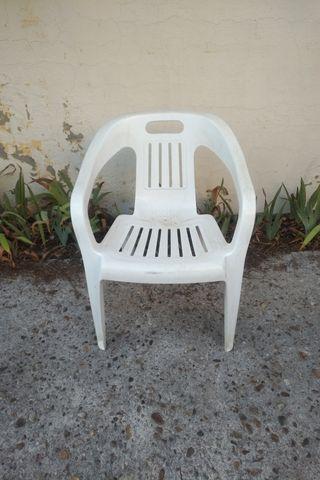 Sillas de plástico jardín. Lote 5 sillas