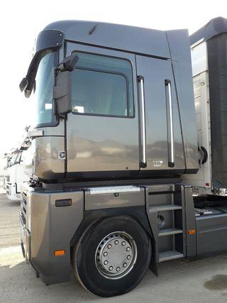 VENDO CAMION Renault magnum 2011
