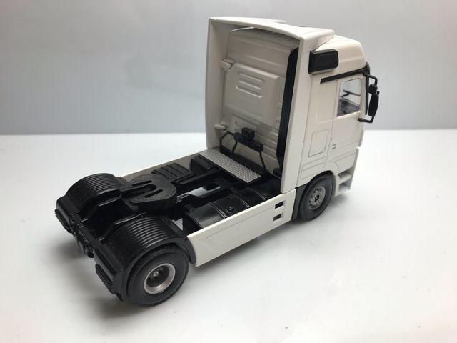 Maqueta camión mercedes actros cabeza 1/50 joal