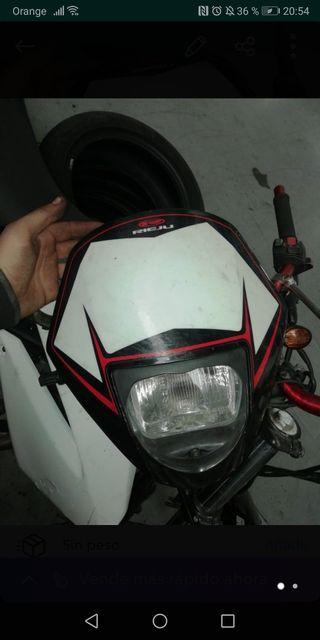 careta de moto rieju