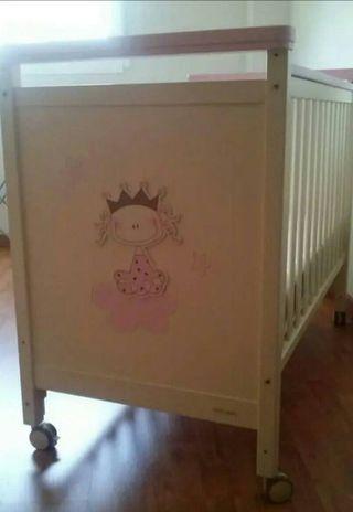 Cuna bebe princesa, de la marca MI CUNA