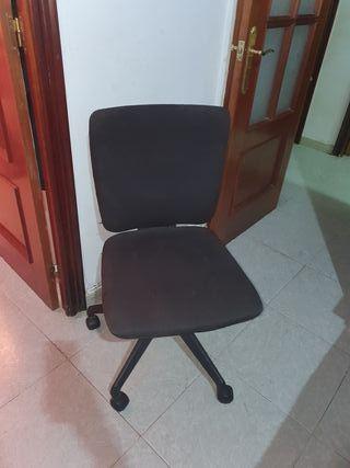 sillon con ruedas de oficina