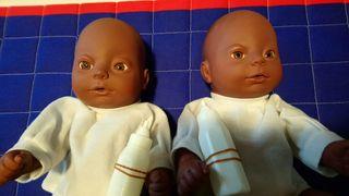 2 muñecos bebés sexados