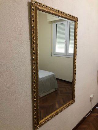 Espejo con marco dorado 85x132cm