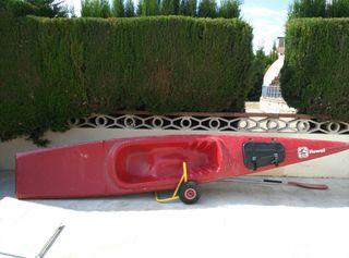 vendo un canoe kayak con remo.