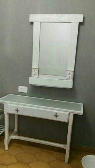 tocador y espejo
