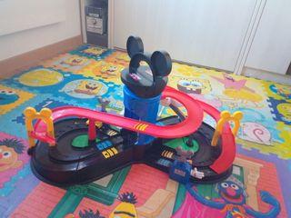 pista carreras mickey mouse