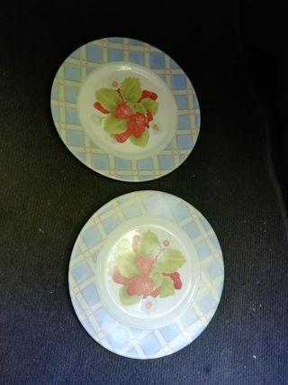 dos platos de postre arcopal