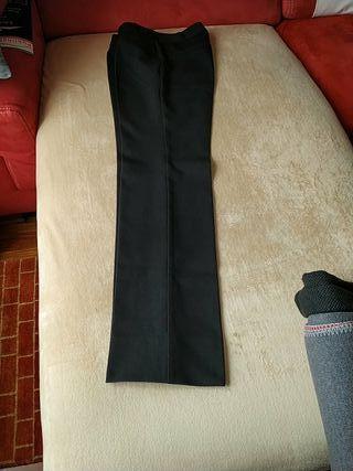 Pantalón mango talla 38 básico.