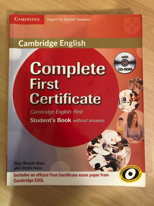 Libro inglés first