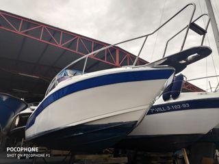 Barco Faeton 710