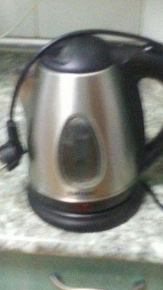 Hervidor electrónico para agua, café, leche.
