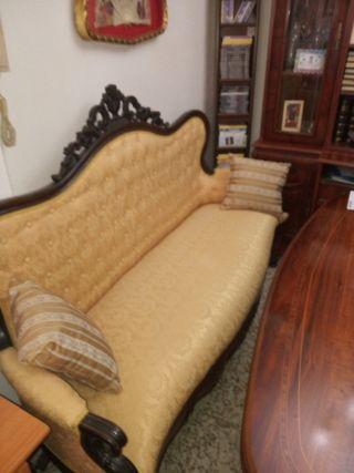 Sofá antiguo tapizado