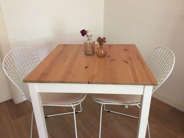 Conjunto de Comedor: 1 mesa + 2 sillas + 2 cojines de segunda mano ...