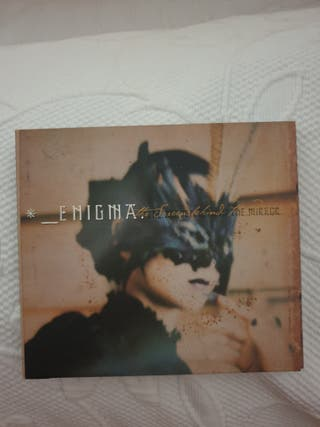 CD Enigma.The screen behind the mirror