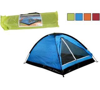 Tienda campaña. Camping