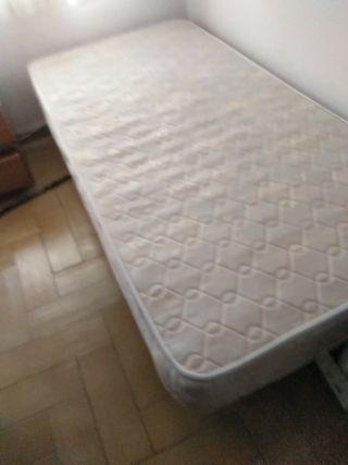 cama y colchón de 90