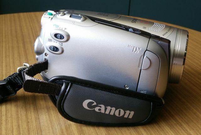 Cámara de video CANON HV20