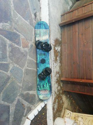 tabla de snowboard con fijaciones y botas (burton)