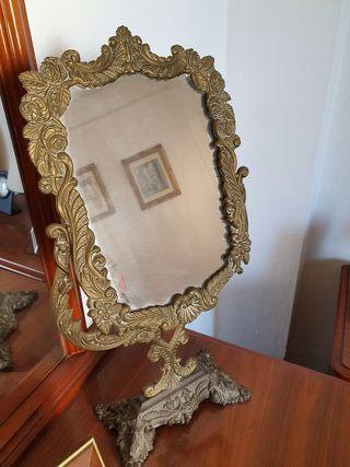 espejo de tocador