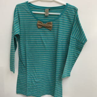 Camiseta media manga con lazo.