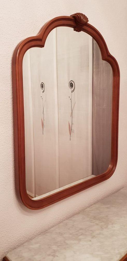 Coqueta, mesitas y espejo