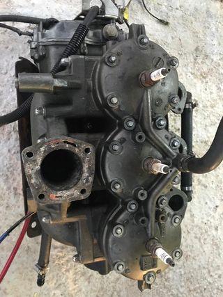 Motor kawasaki stx 1100