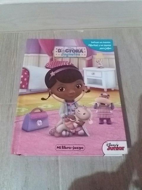 libros con muñecos incluidos