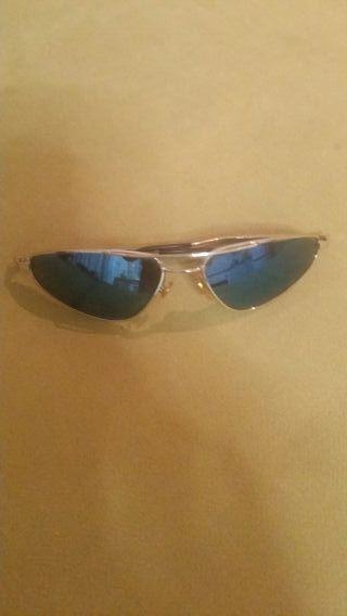 9b3fc24d6 Gafas de sol espejo de segunda mano en Madrid en WALLAPOP