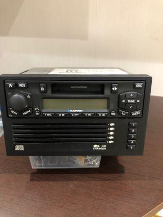 Auto-Radio Blaupunk + Cargador 5 CD