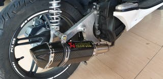 vendo escape completo Honda pcx 125 año 2012