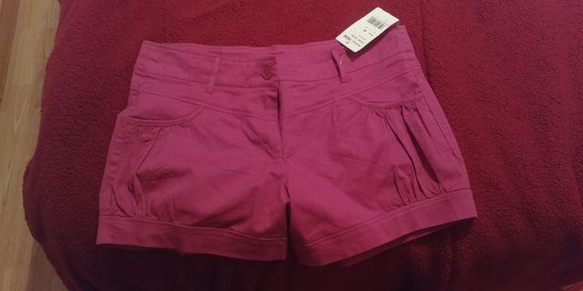 Pantalon/Short corto fucsia nuevo a estrenar