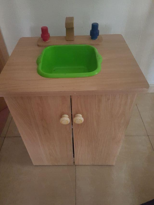 fregadero de madera para niñ@s. juegos