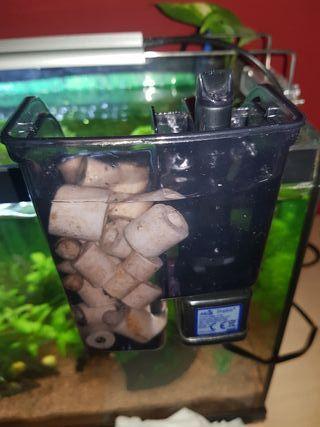se venden dos filtros mochila para acuarios pequeñ