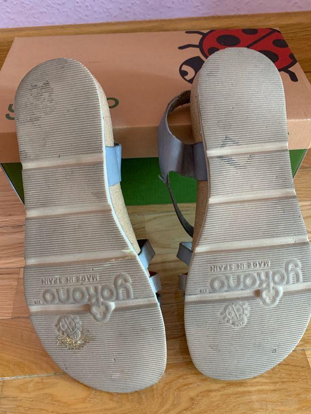 Sandalias yokono de piel