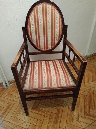Antiguo sillón o butaca