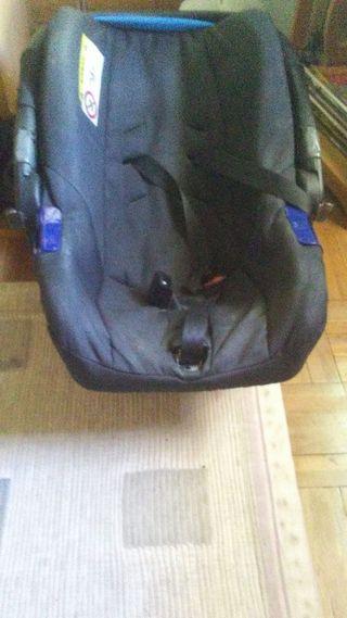 Vendo silla de coche de bebe usada