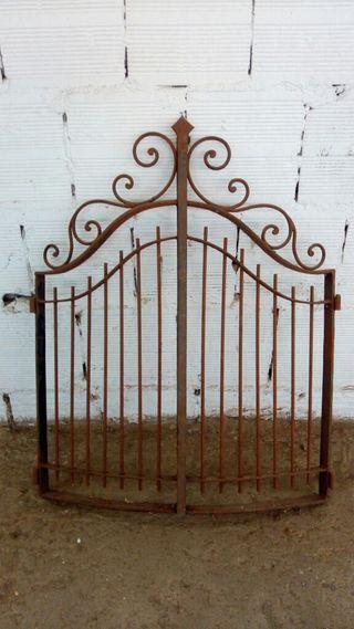Puertas antiguas de chimenea.