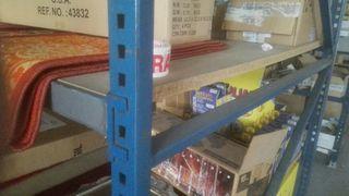 estanterías industriales. 120 ancho, 153 largo,