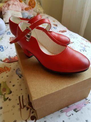 ad2dbfb7142 Zapatos flamenco para niña de segunda mano en WALLAPOP