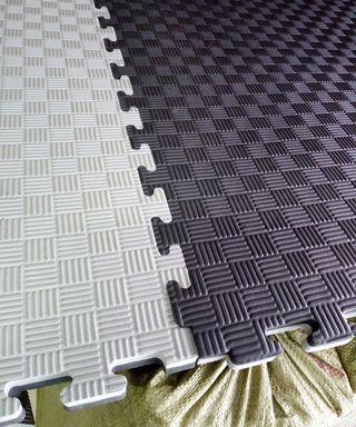 Tatami nuevo, gris/negro, reversible.Metro x Metro