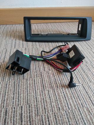 Se Vende adaptor panel para radio de coche
