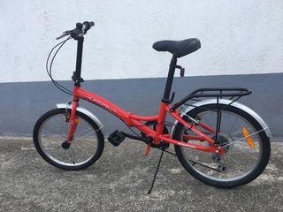 Bicicleta roja plegable