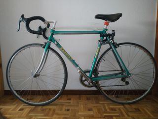bicicleta de carrera clásica Mendiz, negociable