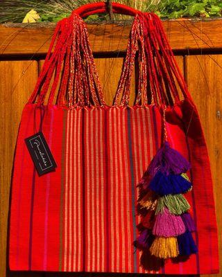 Bolsa artesanal Mexicana con ACCESORIO GRATIS.