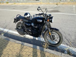 Triumph Bonneville T100 Black Edition