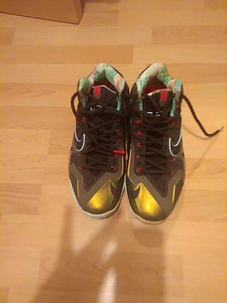 8e1c2f54 Zapatillas de baloncesto de segunda mano en Valencia en WALLAPOP