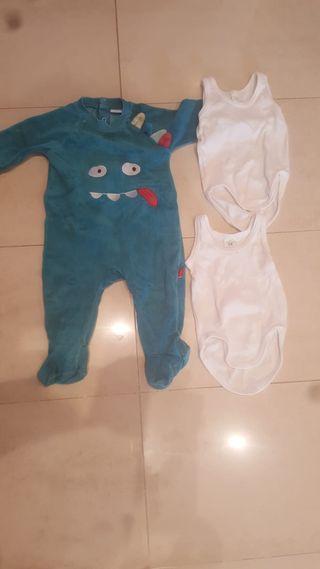 Pijama y bodys de 6 meses